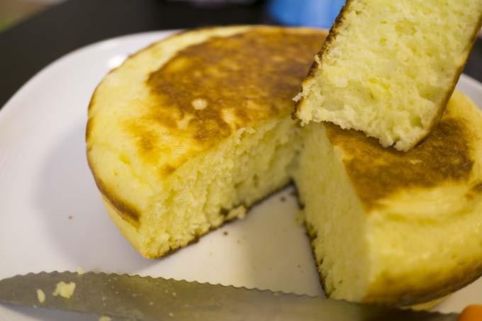 分厚いパンケーキの出来上がり