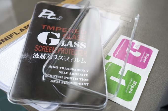 クリアケースと強化ガラスフィルムのセット!