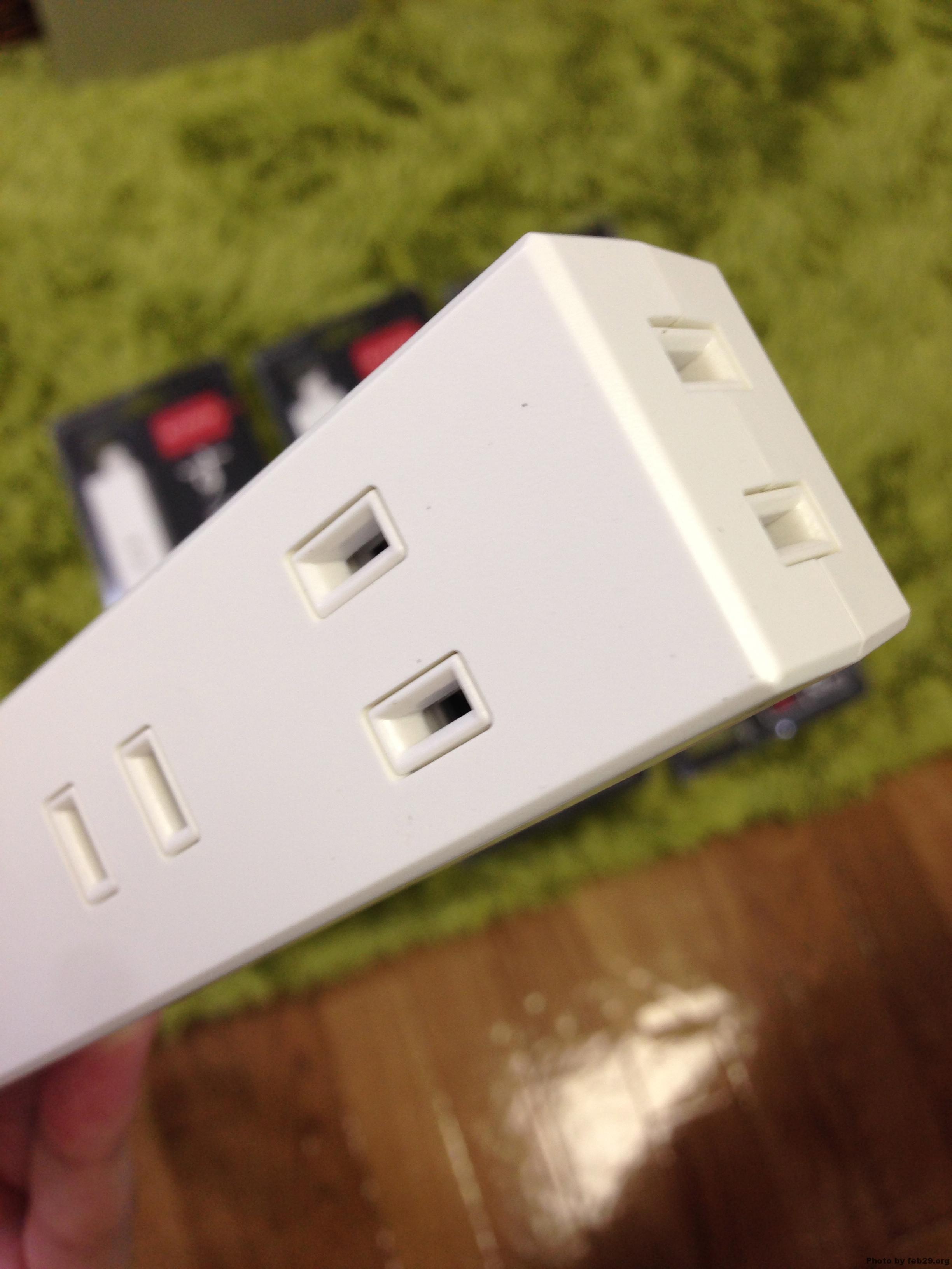 オシャレな部屋には「魅せる電源タップ」エレコムのシンプルデザイン電源